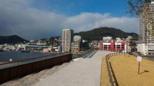 長崎県庁から見た稲佐山