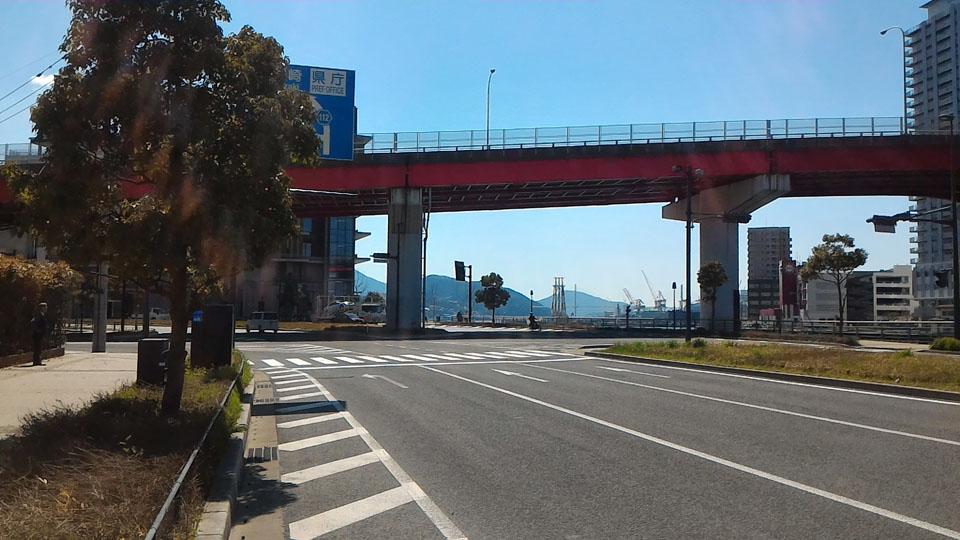浦上川沿い大波止方面への道路