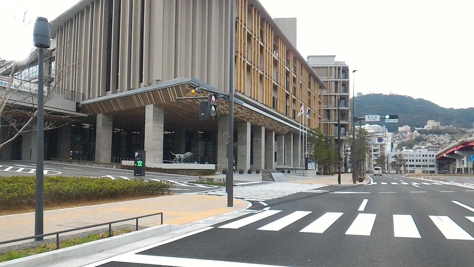 長崎県庁舎パーキング左折2